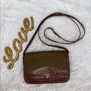 Ann Taylor vintage 100% leather crossbody bag